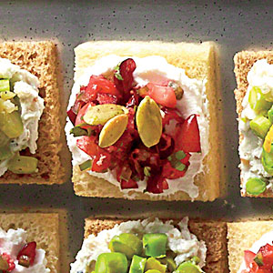cranberry-goat-cheese-canapes-sl-x